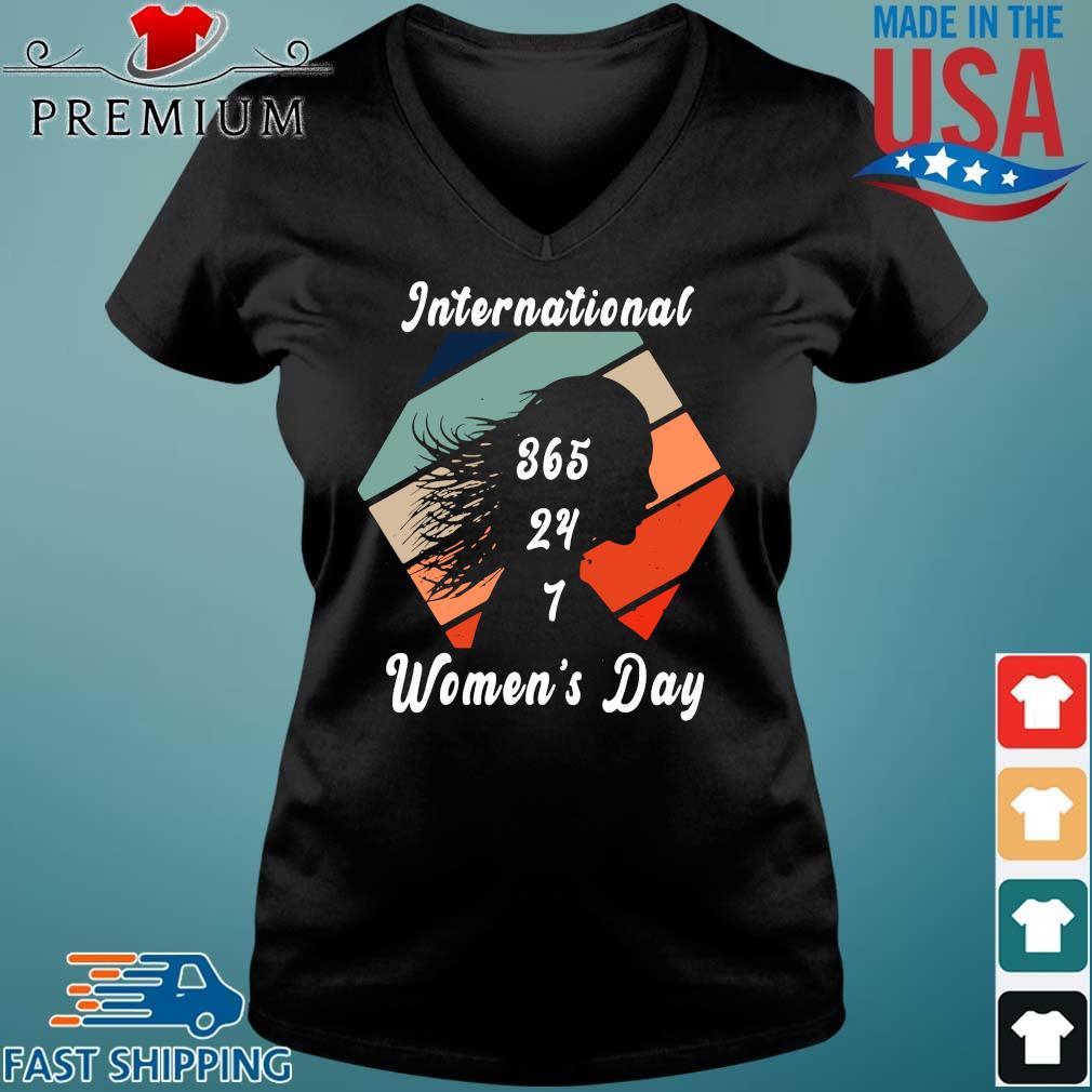International 365 24 7 women's day vintage Vneck den