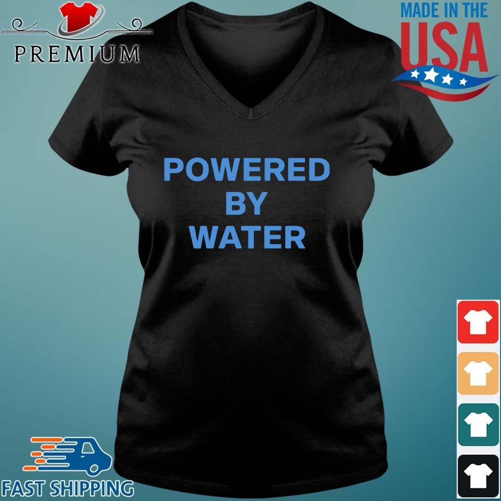 Powered by water s Vneck den